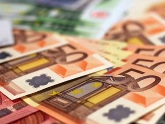 Bani pentru finanțări. FOTO moerschy