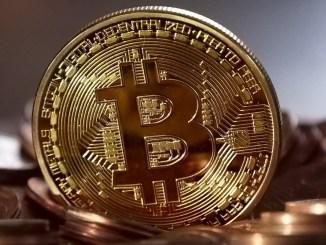 Monedă cu simbolul Bitcoin. FOTO MichaelWuensch