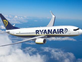 Avion RyanAir. FOTO AIS