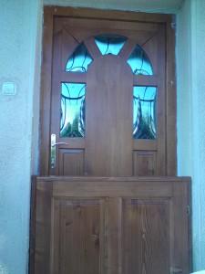 Íves reflexiós üveges fa ajtó