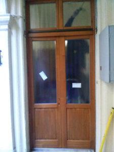 Nyék fa bejárati ajtócsere
