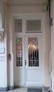 Pasarét fa bejárati ajtócsere