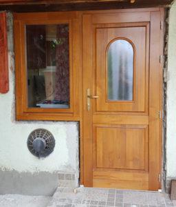Belső-Ferencváros fa bejárati ajtócsere