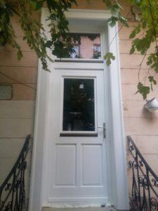 Budatétény fa bejárati ajtócsere