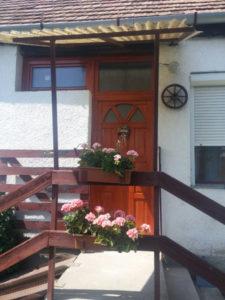 Csepel-Kertváros fa bejárati ajtócsere