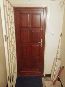Herminamező fa bejárati ajtócsere