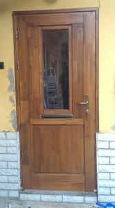 Krepuska Géza-telep fa bejárati ajtócsere