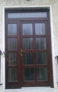 Külső-Ferencváros fa bejárati ajtócsere
