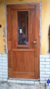 Lakatos-lakótelep fa bejárati ajtócsere