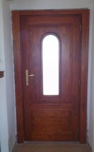 Pálvölgy fa bejárati ajtócsere