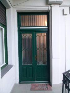 Rákoscsaba fa bejárati ajtócsere