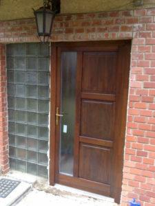 Solymárvölgy fa bejárati ajtócsere