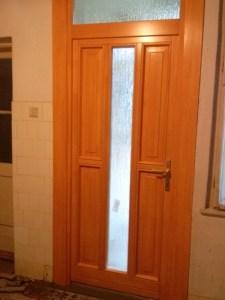 Ganz negyed fa bejárati ajtócsere