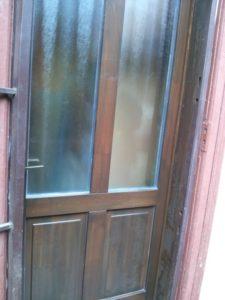 Gubacs fa bejárati ajtócsere