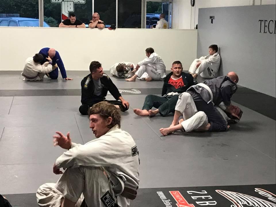 Lucas Walker Explains Jiu Jitsu During Open Mat