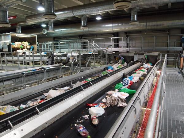 Sortering av avfall på Klemetsrudanlegget (foto: Sven Brun)
