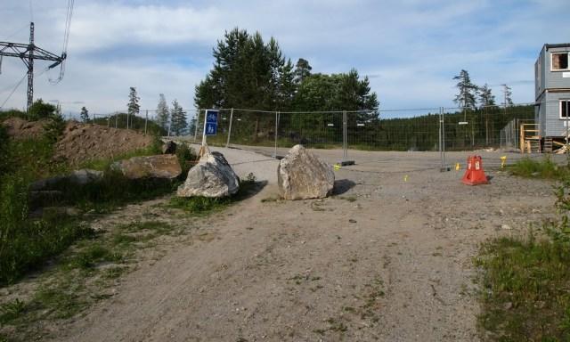Starten på ny gangvei fra sørsiden ved gangbro over E-6. (foto: Sven Brun)