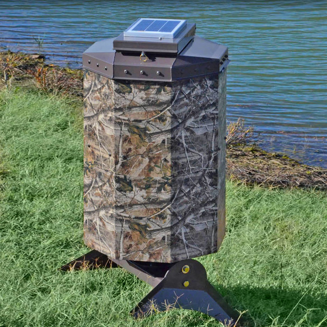 Texas Avenger Automated Fish Feeder