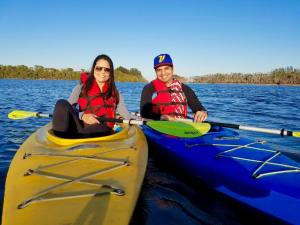 orlando kayaking valentines day telemundo date night