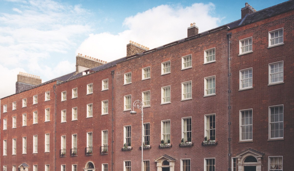 4164 – Merrion Hotel – Front View