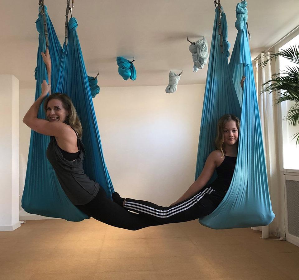 Barn/Forælder Aerial-Yoga Workshop (8-14 år) 20.6. KL 15.45