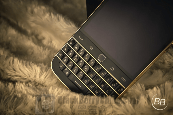 BlackBerry Classic Customize 24Kt Gold Edition_bbc_03