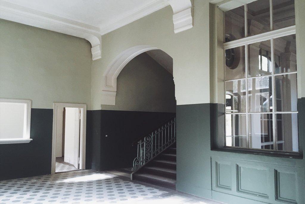 Beelitz Heilstaetten verlaten badhuis binnen