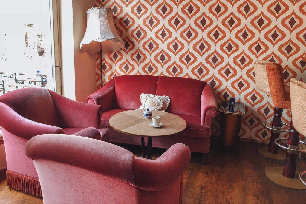 "Bremen Insider Tips Bar Living Room Quarter ""width ="" 1024 ""height ="" 684 ""srcset ="" https://www.blackdotswhitespots.com/bdws/wp-content/uploads/2019/08/Bremen-Insidertipps-Bar -Living Room Quarter.jpg 1024w, https://www.blackdotswhitespots.com/bdws/wp-content/uploads/2019/08/Bremen-Insidertipps-Bar-Living Room- Quarter-500x334.jpg 500w, https: // www .blackdotswhitespots.com / bdws / wp-content / uploads / 2019/08 / Bremen Insider Tips Bar Living Room Quarter 768x513.jpg 768w, https://www.blackdotswhitespots.com/bdws/wp-content/uploads/ 2019/08 / Bremen Insider Tips Bar Living Room Quarter 300x200.jpg 300w, https://www.blackdotswhitespots.com/bdws/wp-content/uploads/2019/08/Bremen-Inside Tipps-Bar- woonkamer kwartaal -330x220.jpg 330w, https://www.blackdotswhitespots.com/bdws/wp-content/uploads/2019/08/Bremen-Insidertipps-Bar-Living Room- Quarter-296x197.jpg 296w, https: //www.blackdotswhitespots .com / bdws / wp-content / uploads / 2019/08 / Bremen Insider Tips Bar Living Room Quarter 690x461.jpg 690w, https: //www.blackdotswhite http://www.spots.com/bdws/wp-content/uploads/2019/08/Bremen-Insidertipps-Bar-Living Room- Quarter-868x580.jpg 868w ""sizes ="" (max-breedte: 1024px) 100vw, 1024px ""/></p data-recalc-dims="