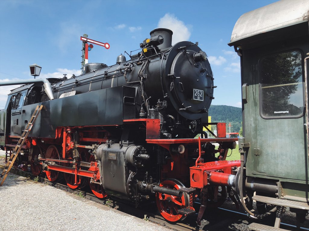 "Historische trein Stoomlocomotief Zuigen Waistway ""width ="" 1024 ""height ="" 768 ""srcset ="" https://www.blackdotswhitespots.com/bdws/wp-content/uploads/2019/08/Historic-Tour- Steam Locomotive - Zuigen Wagon Track .jpg 1024w, https://www.blackdotswhitespots.com/bdws/wp-content/uploads/2019/08/Historic-Train- Steam Locomotive-Swisswall-Lift-500x375.jpg 500w, https://www.blackdotswhitespots.com/bdws /wp-content/uploads/2019/08/Historic-Train-Strack-Switch-Train-768x576.jpg 768w, https://www.blackdotswhitespots.com/bdws/wp-content/uploads/2019/08/Historic-Train- 300x225.jpg 300w stoomlocomotief, 300x225.jpg, https://www.blackdotswhitespots.com/bdws/wp-content/uploads/2019/08/Historic-Train- Steam Locomotive-Sweater- Tray-330x248.jpg 330w, https: // www. blackdotswhitespots.com/bdws/wp-content/uploads/2019/08/Historischer-Zug-Dampflok-Sauschwaenzlebahn-690x518.jpg 690W, https://www.blackdotswhitespots.com/bdws/wp-content/uploads/2019/08 / Historisch-Trein- Stoomlocomotief-Sweater-Wheight-773x580.jpg 773w ""sizes ="" (max-breedte: 1024px) 100vw, 1024px ""/></p data-recalc-dims="