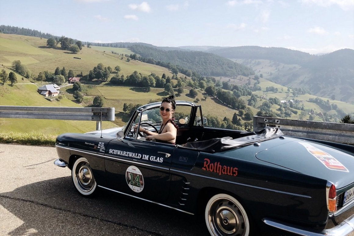 "Black Forest Classic Car Black Forest Classic ""width ="" 1200 ""height ="" 800 ""srcset ="" https://www.blackdotswhitespots.com/bdws/wp-content/uploads/2019/08/Black Forest-im-Oldtimer Black Forest Classic.jpg 1200w, https://www.blackdotswhitespots.com/bdws/wp-content/uploads/2019/08/Black Forest-im-Oldtimer-Blackwood-Classic-500x333.jpg 500w, https: // www .blackdotswhitespots.com / bdws / wp-content / uploads / 2019/08 / Black Forest-in-Oldtimer-Black Forest-Classic-768x512.jpg 768w, https://www.blackdotswhitespots.com/bdws/wp-content/uploads/ 2019/08 / Black Forest-in-Oldtimer-Black Forest-Classic-1024x683.jpg 1024w, https://www.blackdotswhitespots.com/bdws/wp-content/uploads/2019/08/Black Forest-in-Oldtimer-Blackwood-Classic -300x200.jpg 300w, https://www.blackdotswhitespots.com/bdws/wp-content/uploads/2019/08/Black Forest-im-Oldtimer-Blackwood-Classic-330x220.jpg 330w, https: //www.blackdotswhitespots .com / bdws / wp-content / uploads / 2019/08 / Black Forest-in-Oldtimer-Black Forest-Classic-296x197.jpg 296w, https: //www.blac kdotswhitespots.com/bdws/wp-content/uploads/2019/08/Black Forest-im-Oldtimer-Blackwood-Classic-690x460.jpg 690w, https://www.blackdotswhitespots.com/bdws/wp-content/uploads/2019 / 08 / Black Forest-im-Oldtimer-Blackwood-Classic-1050x700.jpg 1050w, https://www.blackdotswhitespots.com/bdws/wp-content/uploads/2019/08/Black Forest-im-Oldtimer-Blackwood-Classic- 870x580.jpg 870w ""sizes ="" (max-breedte: 1200px) 100vw, 1200px ""/></p data-recalc-dims="