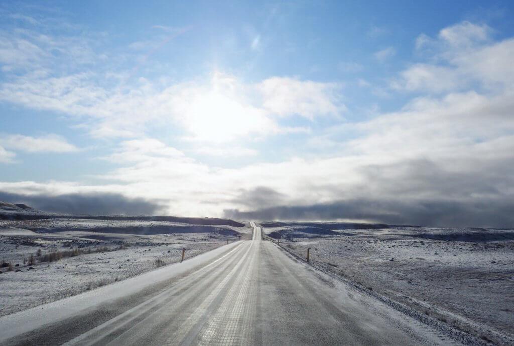 Ringstrasse IJsland sneeuw noorden buiten het seizoen