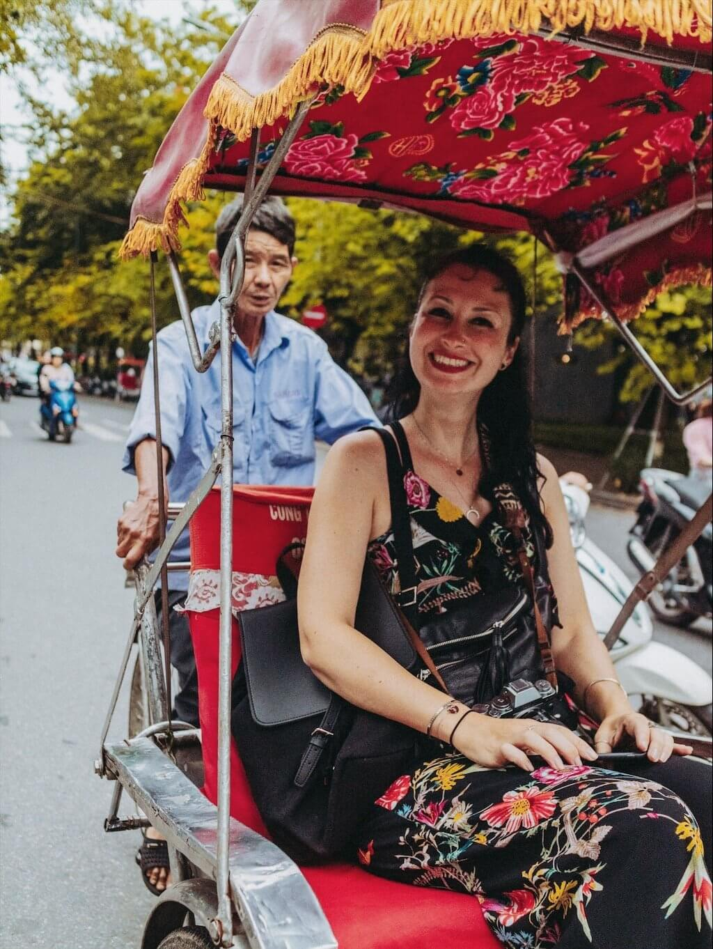 Hanoi Tips Rickshaw Tour