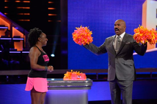 """STEVE HARVEY'S FUNDERDOME - """"Episode 104"""" - Aspiring inventors hoping to win over a live studio audience to fund their ideas, products or companies include: swimsuit pieces that can be used as either a top or a bottom, weighted pompoms, and a plate that converts into a container to store the uneaten portion of kids' meals, on an all-new episode of the seed-funding competition reality series, """"Steve Harvey's FUNDERDOME,"""" airing on SUNDAY, JULY 9 (9:00-10:00 p.m.), on The ABC Television Network. (ABC/Lisa Rose) SHERRY LEETHAM (POUNDPOMS), STEVE HARVEY"""