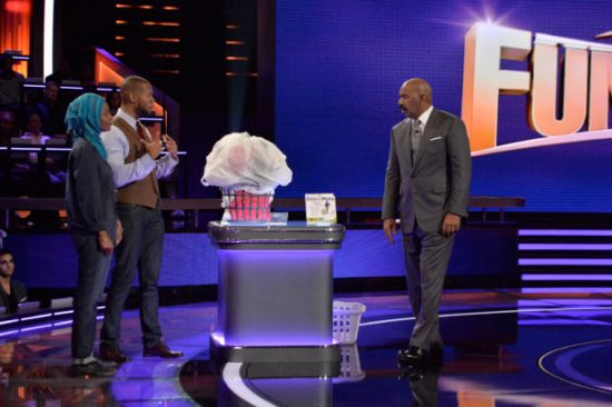 """STEVE HARVEY'S FUNDERDOME - """"Episode 110"""" - The seed-funding competition reality series """"Steve Harvey's FUNDERDOME,"""" featuring two aspiring inventors going head-to-head to win over a live studio audience to fund their ideas, products or companies, airs SUNDAY, AUGUST 27 (9:00-10:00 p.m. EDT), on The ABC Television Network. (ABC/Lisa Rose) NAJMA JAMALUDEEN, YUSUF JAMALUDEEN (BASKETMATE), STEVE HARVEY"""