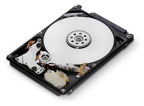 Un disque dur ouvert.