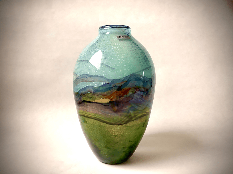 Vase-by-Timothy-Harris-art