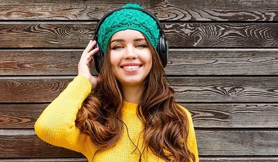 Blackheads in ears caused by wearing headphones