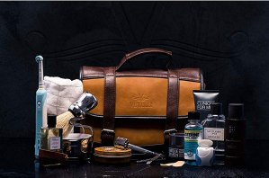 Vetelli Hanging Leather Toiletry