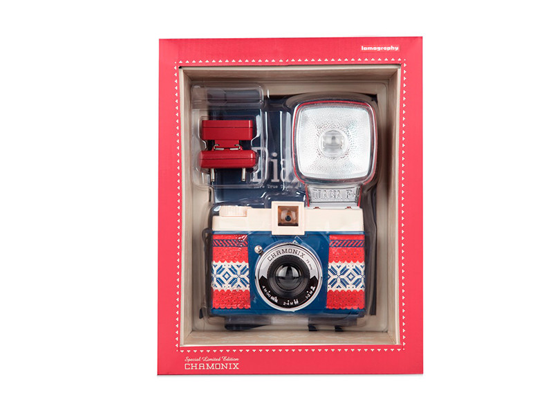 Lomography Diana F+ Winter edition | Blackphant