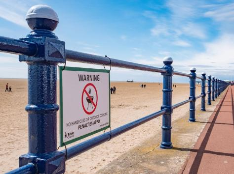 Sign at St Annes beach highlighting the barbecue ban