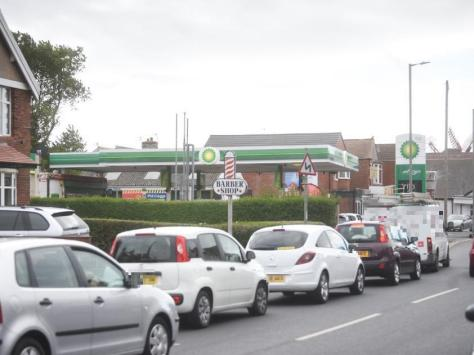 Motorists queuing outside BP in Fleetwood Road North, Thornton, on Friday, September 24, 2021 (Picture: Dan Martino for The Gazette)