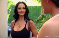 AVA ADDAMS – YOGA TRAINING