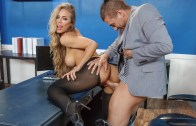 Big Tits At Work – Summertime And The Livin' Is Sleazy – Nicole Aniston