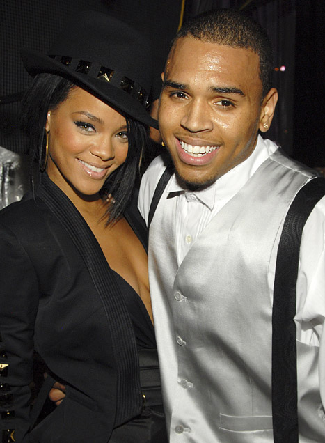 1353683763_rihanna-chris-brown-lg