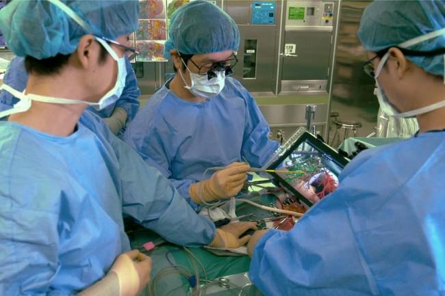 ipad-surgery-650×0