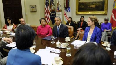 President Barack Obama meets with Asian American and Pacific Islander (AAPI) business and faith leaders to discuss immigration reform, May 2, 2014, at the White House in Washington. (AP Photo)