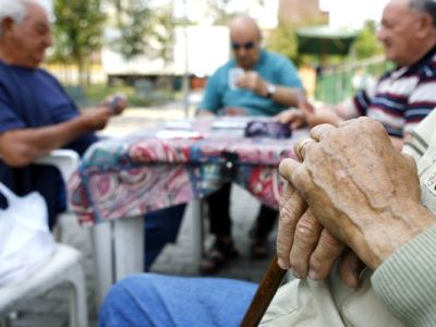Lonely seniors may be more likely to develop dementia, new research shows. (Alberto Pellaschiar/AP Photo)
