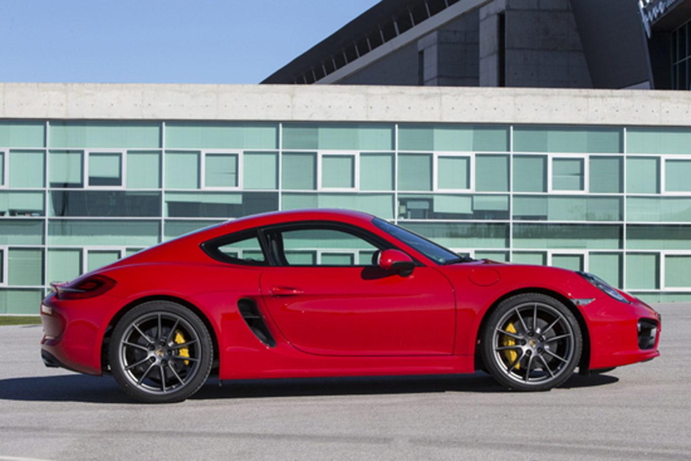 2014-Porsche-Cayman-S