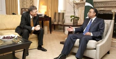 In this photo provided by the Bill & Melinda Gates Foundation Pakistan President Asif Ali Zardari, right, and Bill Gates, co-chair of the Bill & Melinda Gates Foundation, left, discuss joint efforts to fight the spread of polio during a meeting in Washington Saturday, January 15, 2011. (AP Photo)