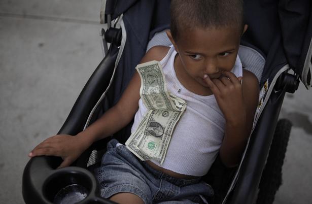 poverty_child_ap_img_0